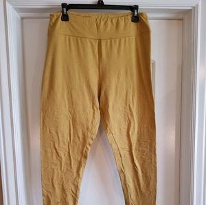 Lularoe buttery soft TC solid leggings